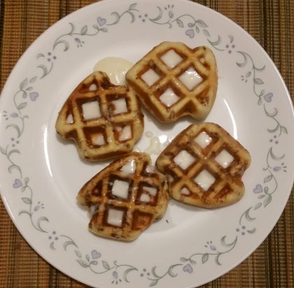 Cinnamon Buns made in a Waffle Maker too? Oh yeah…