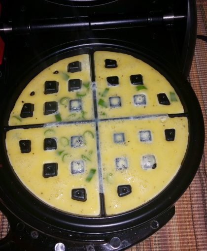 Scrambled eggs in a waffle maker – Does it really work?